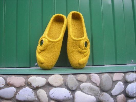 """Обувь ручной работы. Ярмарка Мастеров - ручная работа. Купить валяные тапочки """" Загадки Египта"""". Handmade. Желтый"""