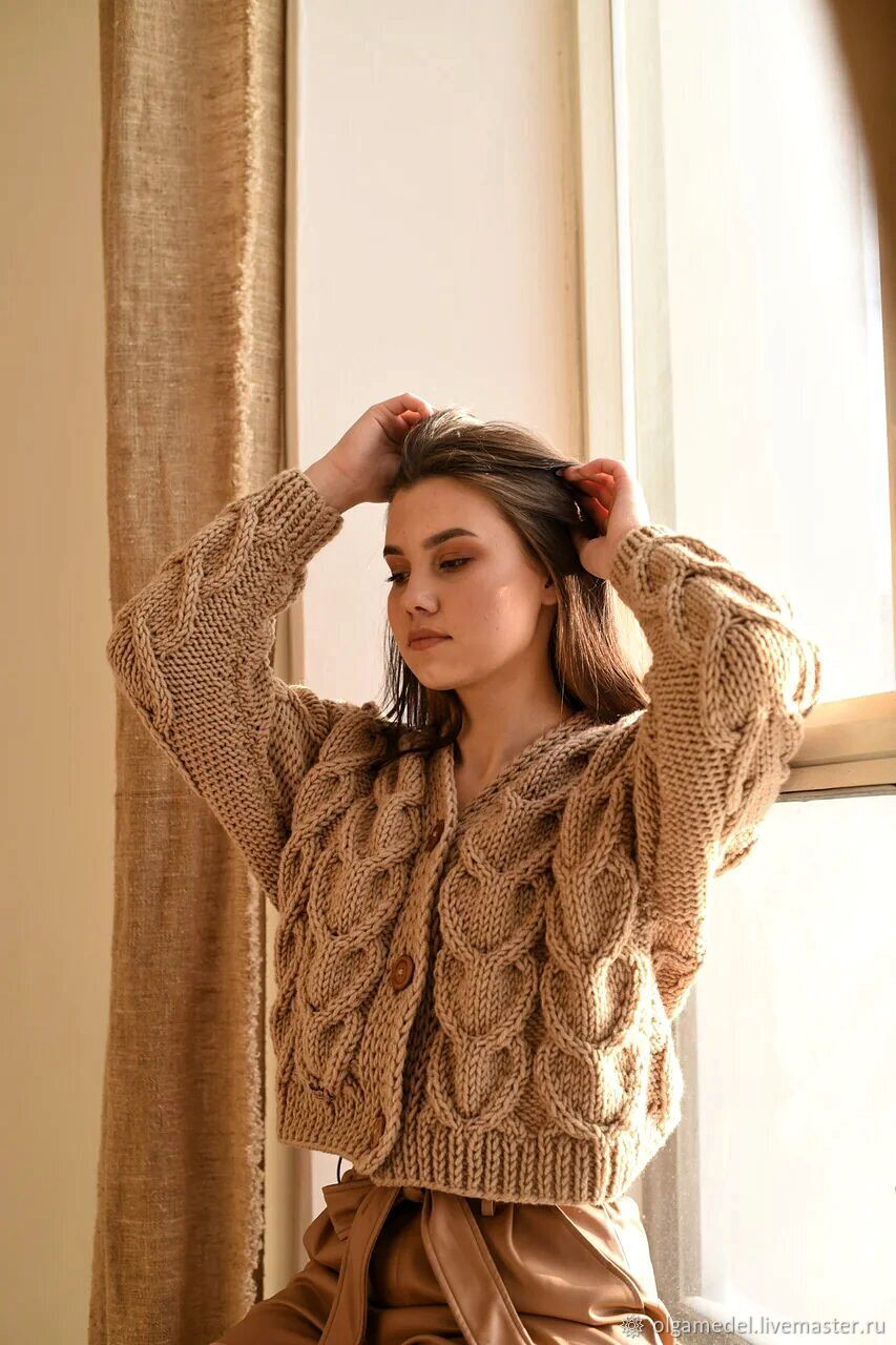cardigans: Women's bomber jacket of large knit beige color with buttons, Cardigans, Yoshkar-Ola,  Фото №1