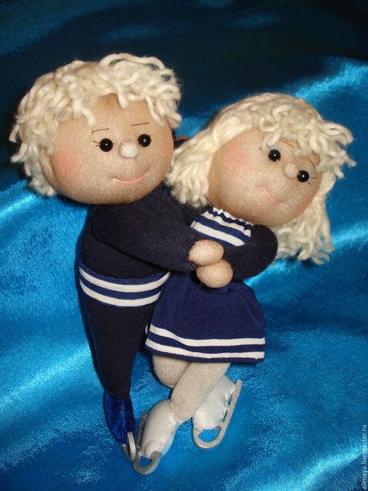 Человечки ручной работы. Ярмарка Мастеров - ручная работа. Купить Танец  на льду. Кукла из носка сувенирная.. Handmade. Фигурист, коньки