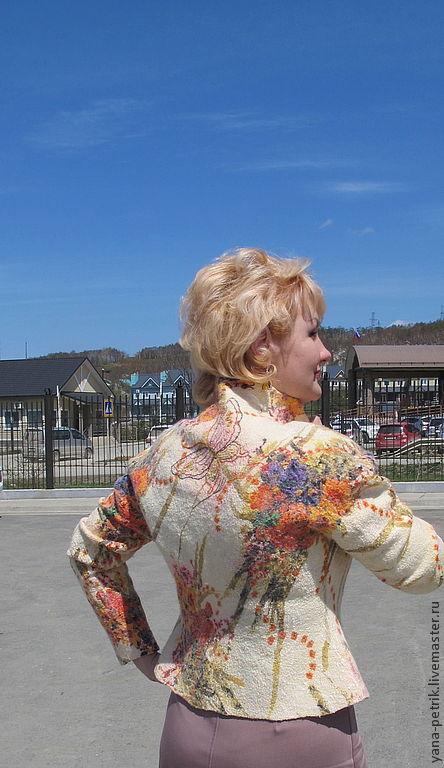 Пиджаки, жакеты ручной работы. Ярмарка Мастеров - ручная работа. Купить Жакет ручной работы  из шерсти и шелка Caroline. Handmade.