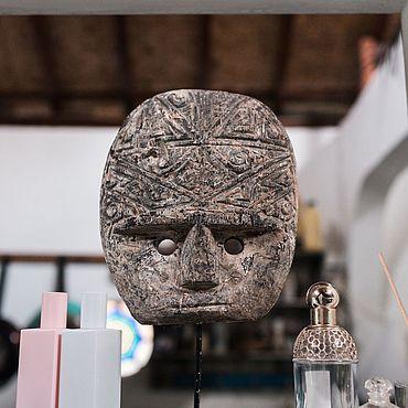 Для дома и интерьера ручной работы. Ярмарка Мастеров - ручная работа Маска Тимора овальная старая на подставке. Handmade.