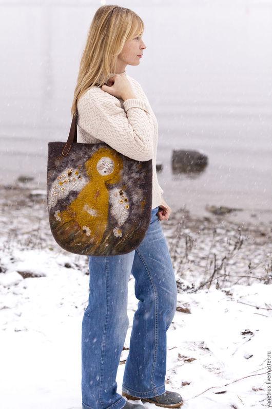 """Женские сумки ручной работы. Ярмарка Мастеров - ручная работа. Купить сумка валяная сумка войлочная по мотивам """"Солнечный Ангел"""". Handmade."""