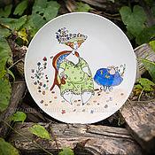 """Посуда ручной работы. Ярмарка Мастеров - ручная работа Роспись фарфора.Тарелка из серии """"Сладкая женщина"""" В саду... Handmade."""