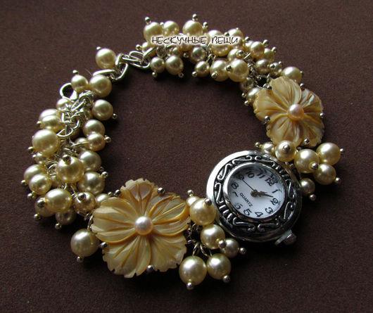 """Часы ручной работы. Ярмарка Мастеров - ручная работа. Купить """"Афродита"""" наручные часы с перламутром. Handmade. Бежевый, перламутр"""