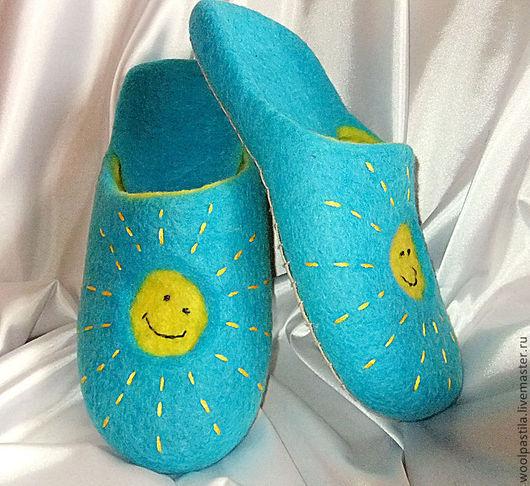 Обувь ручной работы. Ярмарка Мастеров - ручная работа. Купить Валяные тапочки Мое солнышко. Handmade. Желто-голубой, подарок
