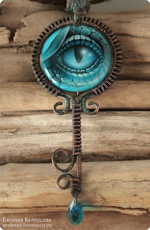 """Кулоны, подвески ручной работы. Ярмарка Мастеров - ручная работа. Купить Кулон-ключ с росписью """"Обережник"""" (глаз дракона). Handmade."""