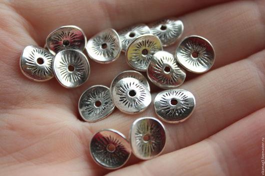 Для украшений ручной работы. Ярмарка Мастеров - ручная работа. Купить Спейсеры чипсы, цвет металла серебро, 10 мм. Handmade.