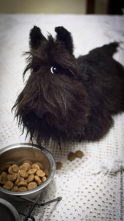 """Куклы и игрушки ручной работы. Ярмарка Мастеров - ручная работа. Купить """"Таракашка"""" пёс. Handmade. Черный, игрушка пёс"""