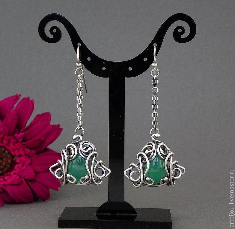 Серебряные серьги , серьги  серебро , длинные серьги , длинные сережки , серьги с зеленым камнем , серьги с зеленым ониксом , зеленый, зеленый камень , серьги на цепочках ,