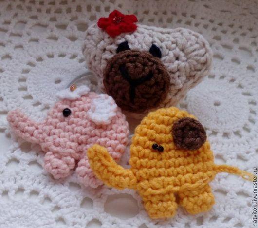 Детская бижутерия ручной работы. Ярмарка Мастеров - ручная работа. Купить Слоняши и Мишка-тедди, резиночки-брошки крючком. Handmade.