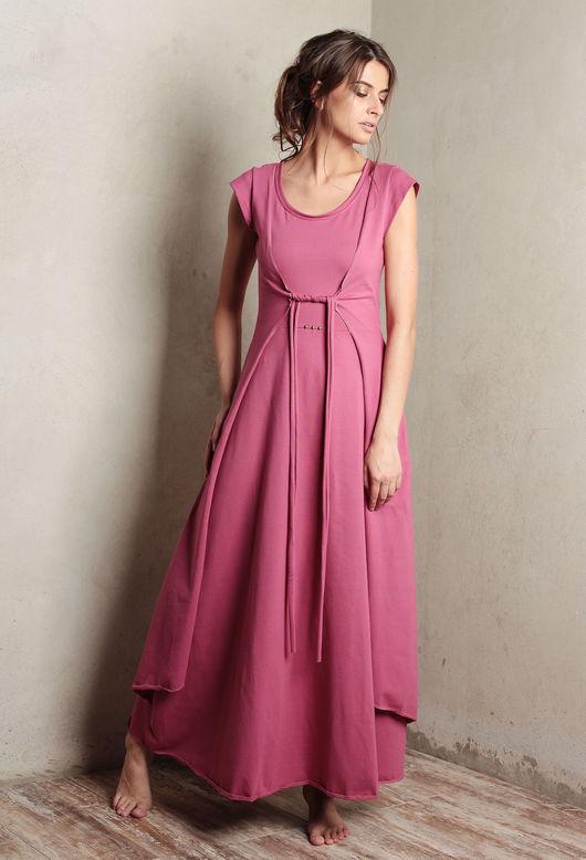 Весенние платья `Вест` - изящные и воздушные, приталенные с объемным, зрительно удлиняющим ноги подолом.