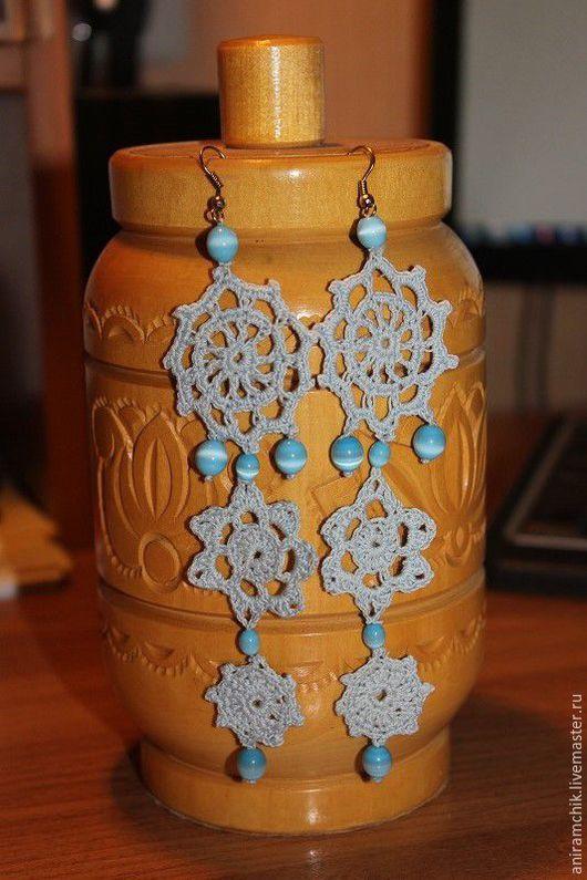 """Серьги ручной работы. Ярмарка Мастеров - ручная работа. Купить Ажурные серьги """"Голубые снежинки"""". Handmade. Голубой, Вязаные серьги"""