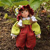 Куклы и игрушки ручной работы. Ярмарка Мастеров - ручная работа Кукла из  полимерной глины Ягодка. Handmade.