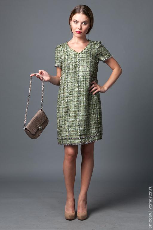 платье дизайнерское  из оригинальной твидовой ткани бахромой. жмите на увеличение фото