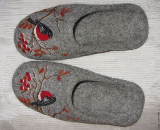 """Обувь ручной работы. Ярмарка Мастеров - ручная работа. Купить Валяные тапочки """"Снегири прилетели"""". Handmade. Серый, тапочки из шерсти"""