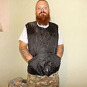 Одежда ручной работы. Ярмарка Мастеров - ручная работа Непромокаемый многокарманный простой,мужской,утепленный жилет-безрукав. Handmade.