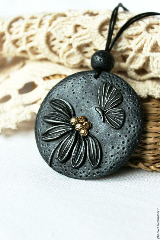 Кулоны, подвески ручной работы. Ярмарка Мастеров - ручная работа. Купить Кулон из полимерной глины Под луной. Handmade.