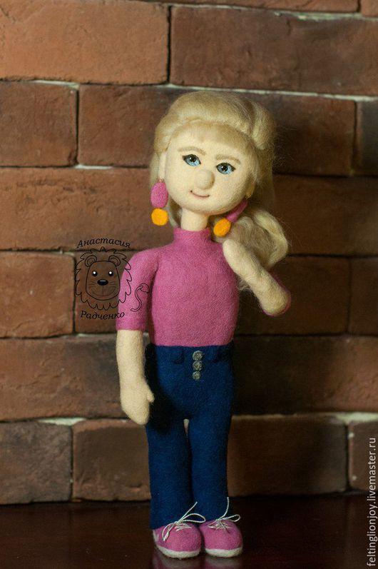 Человечки ручной работы. Ярмарка Мастеров - ручная работа. Купить Кукла валяная блондинка в розовом. Handmade. Комбинированный, шерсть 100%