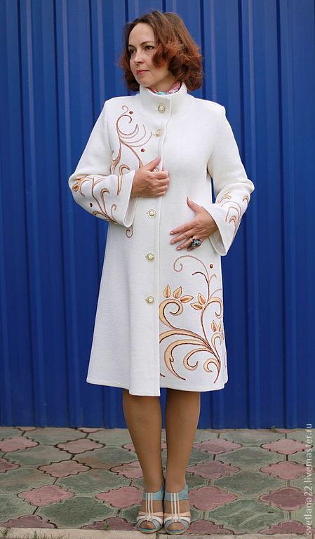 """Верхняя одежда ручной работы. Ярмарка Мастеров - ручная работа. Купить Пальто трикотажное """"Узоры"""". Handmade. Белый, пальто на подкладе"""