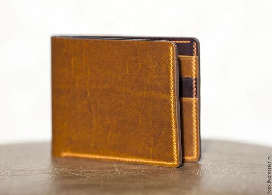 Кошельки и визитницы ручной работы. Ярмарка Мастеров - ручная работа. Купить Кошелек портмоне bifold wallet Horween + lining. Handmade.