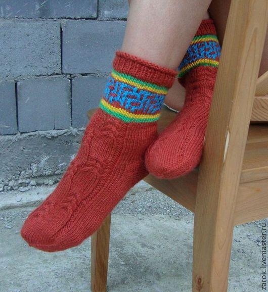 """Носки, Чулки ручной работы. Ярмарка Мастеров - ручная работа. Купить Носочки вязаные """"В ожидании Рождества... надеюсь"""". Handmade."""