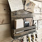Ключницы ручной работы. Ярмарка Мастеров - ручная работа Ключница с полкой для писем и мелочей. Handmade.