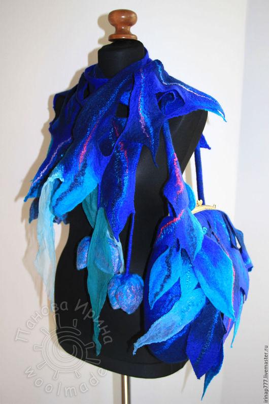 """Комплекты аксессуаров ручной работы. Ярмарка Мастеров - ручная работа. Купить комплект """"Синие цветы"""". Handmade. Синий, шарф, сумка"""