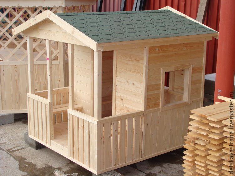 Домик деревянный для ребенка