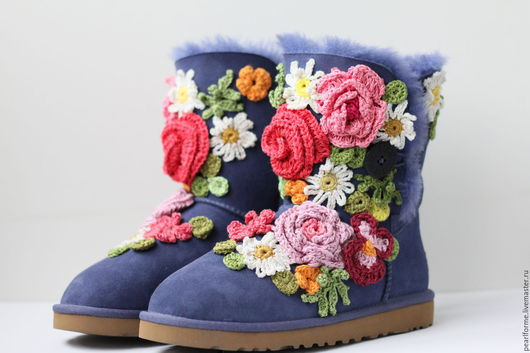 Обувь ручной работы. Ярмарка Мастеров - ручная работа. Купить Красивые Угги расшитые цветами. Handmade. Угги с вышивкой