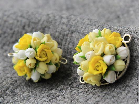 Бусина подвеска цветочная из полимерной глины, ручной работы. Бусина из мелких полимерных цветочков, имеет 2 ушка, для использования в сборке украшений.