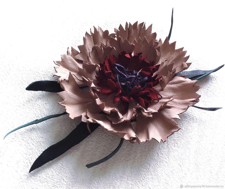 Брошь из кожи Василек, брошка, брошки, оригинальный подарок на 8 марта, цветок из кожи, брошь цветок, брошь на платье, брошь на пиджак, брошь на пальто, подарок женщине, брошь в подарок, украшение