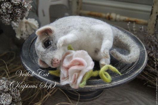 Игрушки животные, ручной работы. Опоссум Лаура. Капинус Софья (Voilok Cat) . Ярмарка Мастеров.