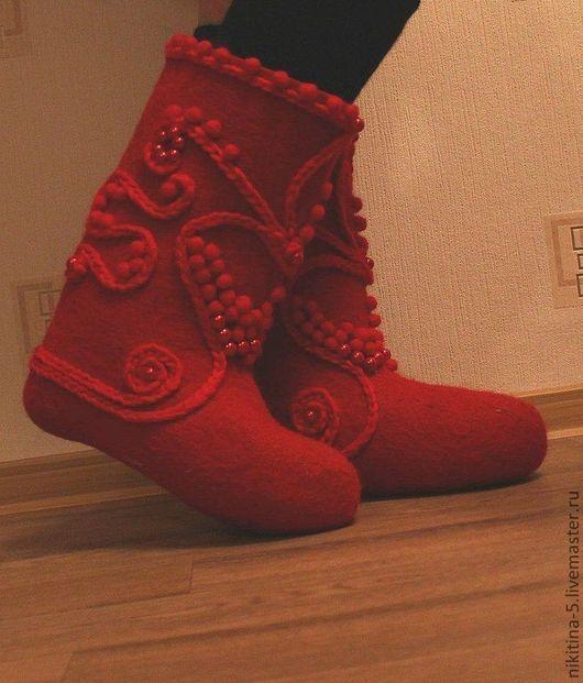 """Обувь ручной работы. Ярмарка Мастеров - ручная работа. Купить Валенки """"Красная горошина"""". Handmade. Ярко-красный, валенки для улицы"""