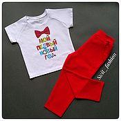 Костюмы ручной работы. Ярмарка Мастеров - ручная работа Новогодний комплект из футболки с надписью и штанишек. Handmade.