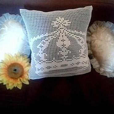"Textiles handmade. Livemaster - original item Наволочка вязаная крючком ""Корона"". Handmade."