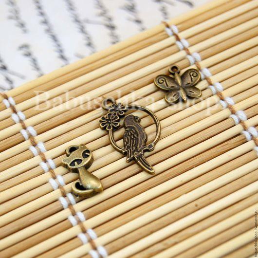 """Шитье ручной работы. Ярмарка Мастеров - ручная работа. Купить Подвески   """"Кошка, бабочка, попугай"""". Handmade. Золотой, подвески"""