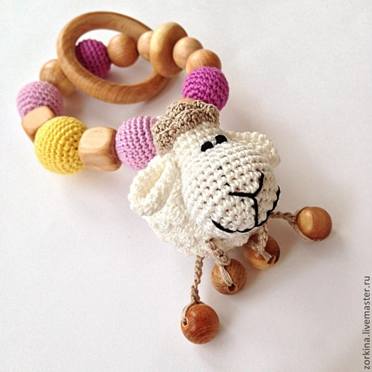 Развивающие игрушки ручной работы. Ярмарка Мастеров - ручная работа. Купить Игрушка для малыша грызунок-прорезыватель с игрушкой Овечкой. Handmade.