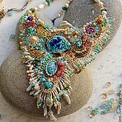 Украшения ручной работы. Ярмарка Мастеров - ручная работа Колье с коралловым рифом и рыбкой, золотой бисер 24K, самоцветы. Handmade.