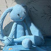 Мягкие игрушки ручной работы. Ярмарка Мастеров - ручная работа Вязанный плюшевый голубой заяц с длинными ушами. Handmade.