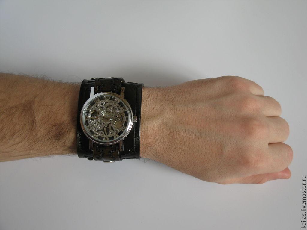 Ремешок или браслет? На чем лучше носить часы