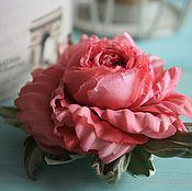 """Украшения ручной работы. Ярмарка Мастеров - ручная работа Брошь-заколка """"Rosy"""". Цветы из шелка, роза из шелка. Handmade."""
