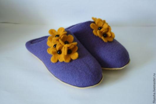 Обувь ручной работы. Ярмарка Мастеров - ручная работа. Купить Тапочки валяные - Фиолетовые. Handmade. Фиолетовый, тапки, шерсть 100%