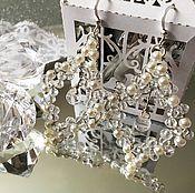 Украшения ручной работы. Ярмарка Мастеров - ручная работа Нежные сережки и веточка в волосы из прозрачных и белых бусин. Handmade.