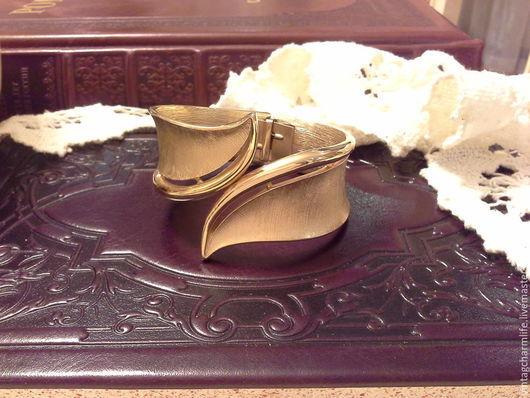 Винтажные украшения. Ярмарка Мастеров - ручная работа. Купить Винтажный cuff-браслет от Trifari. Handmade. Винтажная бижутерия, винтажные украшения