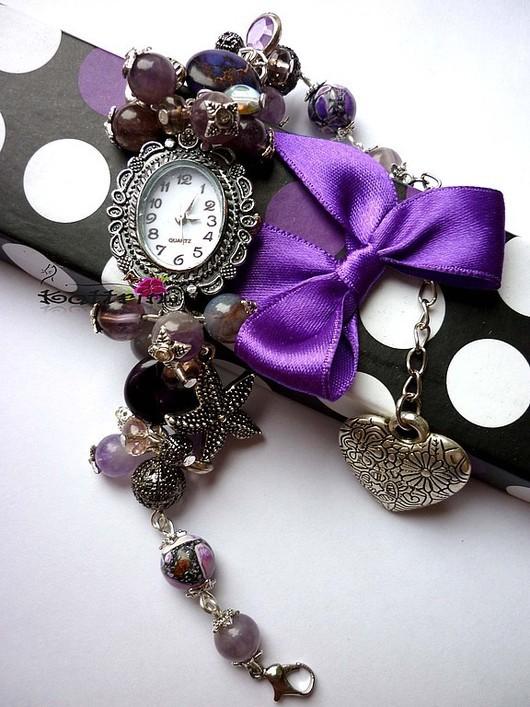 """Часы ручной работы. Ярмарка Мастеров - ручная работа. Купить Часы """"Неоновые Сны"""". Handmade. Фиолетовый, подарок, чешское стекло"""