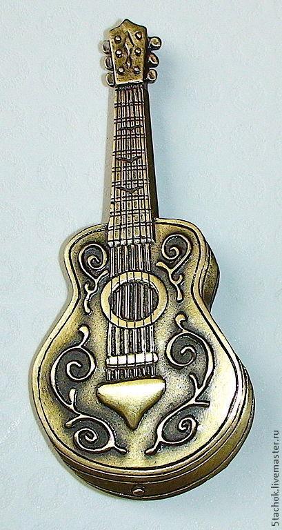 """Винтажные украшения. Ярмарка Мастеров - ручная работа. Купить Брошь """"Гитара"""" под бронзу (JJ США). Handmade. Брошь, США"""