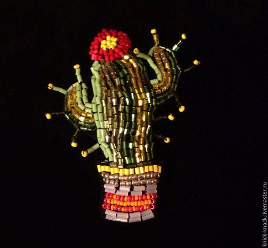 Броши ручной работы. Ярмарка Мастеров - ручная работа. Купить Колючка мексиканская. Handmade. Зеленый, мексика, брошка, бисер