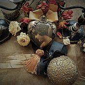 Подарки к праздникам ручной работы. Ярмарка Мастеров - ручная работа Винтажный изыск... Керамические медальоны. Handmade.