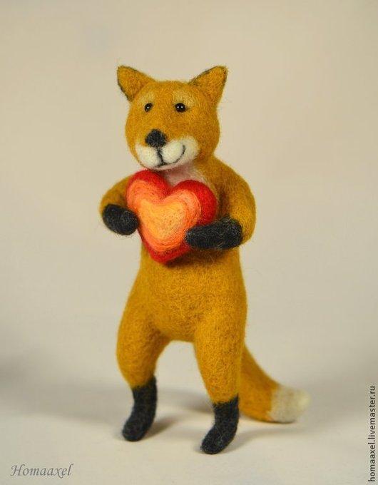 Игрушки животные, ручной работы. Ярмарка Мастеров - ручная работа. Купить Игрушка Лиса с сердцем. Handmade. Рыжий, войлочная лиса