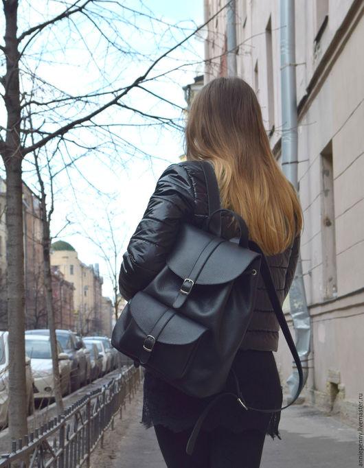 Рюкзаки ручной работы. Ярмарка Мастеров - ручная работа. Купить Рюкзак кожаный формат А4. Handmade. Черный, рюкзак торба
